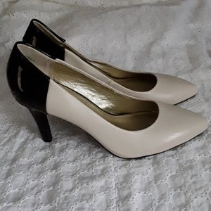 Anthropologie  Seychelles Leather Pumps Shoes